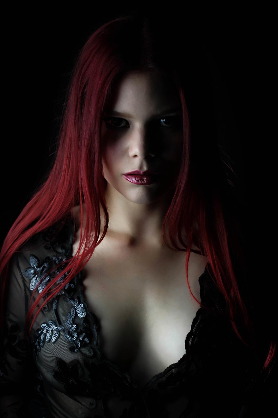 BLACKBRIAR - Zora Cock