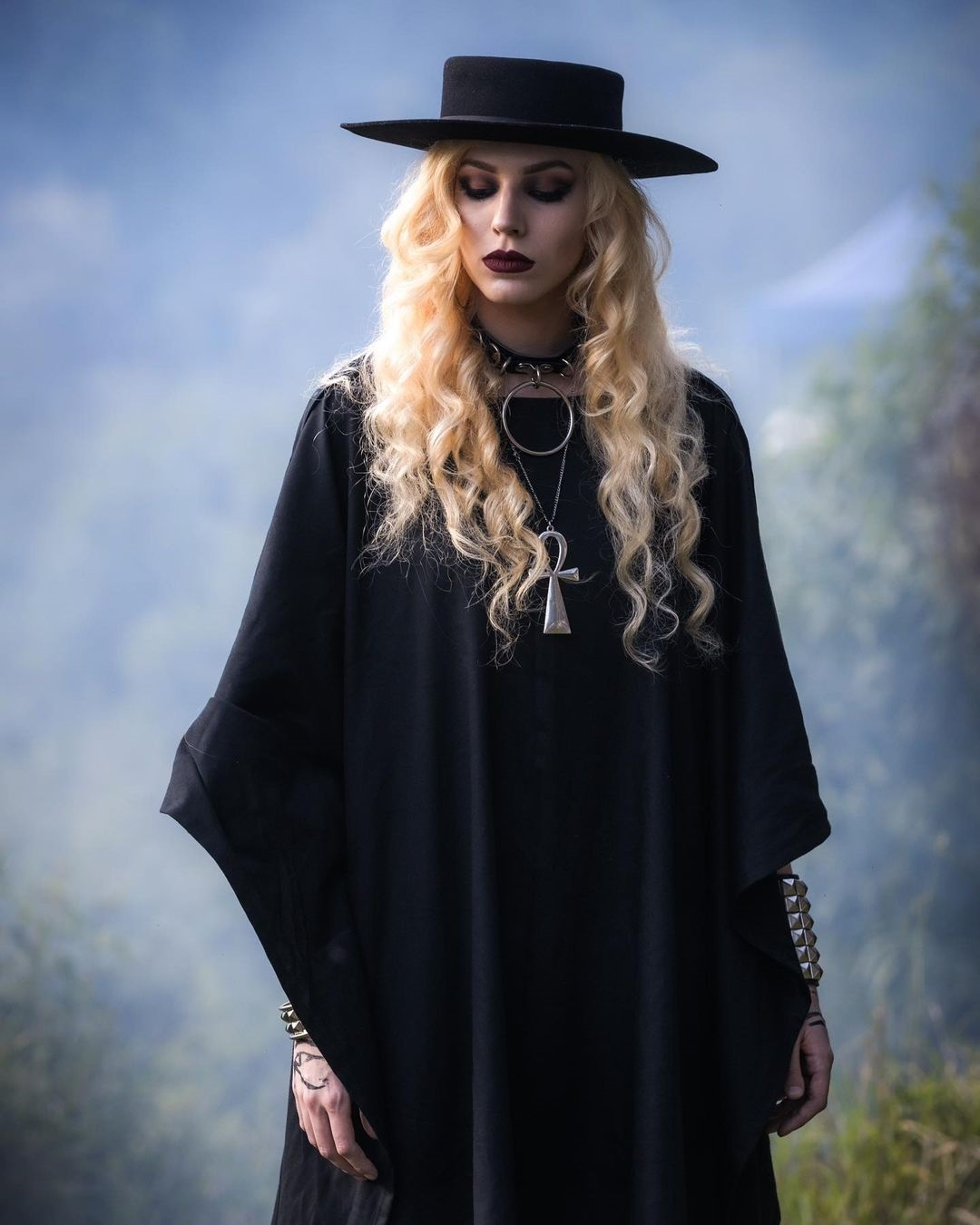 SONIA - Interviews (priestess)