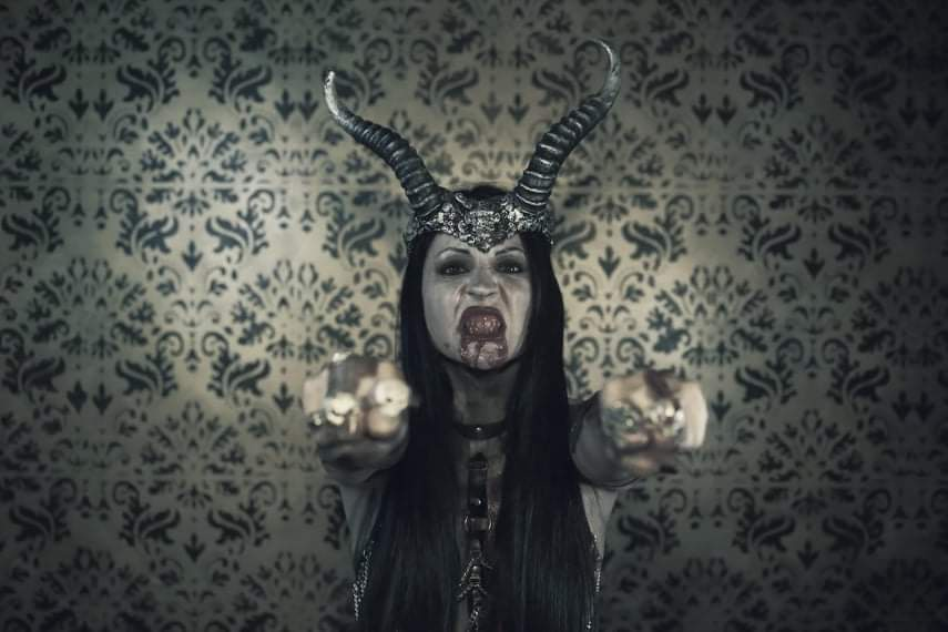 THEATRES DES VAMPIRES singer